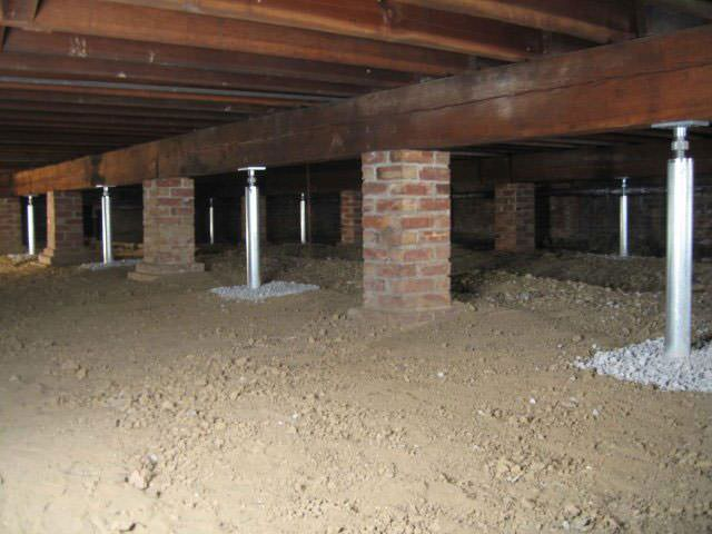 Crawl space joist repair by greater ottawa foundation for Wood floor knocking block